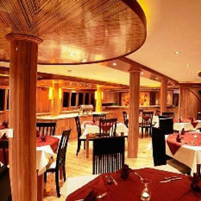 Orion Interior Dining