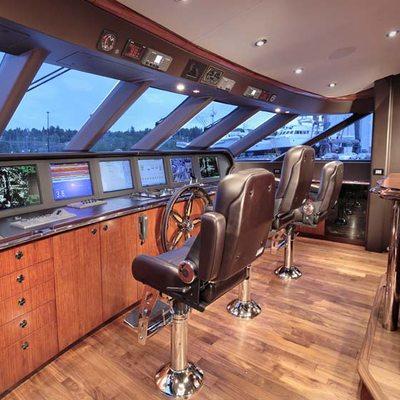 Usher Yacht Bridge