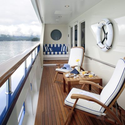 Laurel Yacht Terrace Starboard Looking Forward