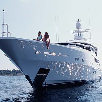 Lazy Z Yacht Bow