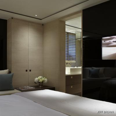 Twizzle Yacht Stateroom - Screen