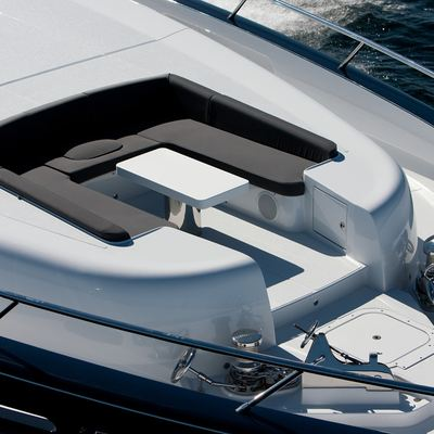 Quantum Yacht Foredeck Seating