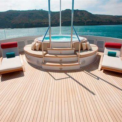 Avalon Yacht Jacuzzi