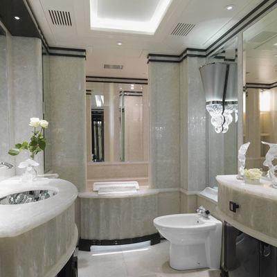 Silver Angel Yacht Private Bathroom