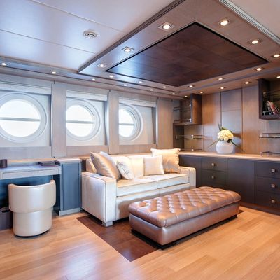 Griffin Yacht Master Stateroom - Seating