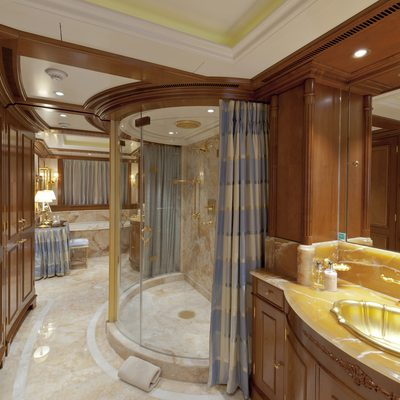 Lady Kathryn V Yacht Master Bathroom
