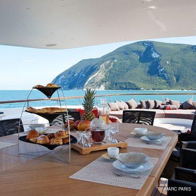 Liberty Yacht Sundeck - Dining