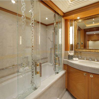 Capri I Yacht VIP Twin Bathroom