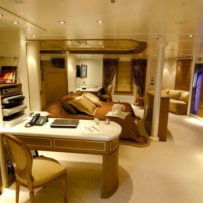 Elegant 007 Yacht Master Stateroom - Study