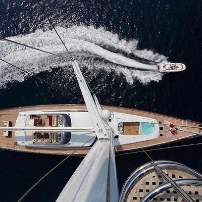 Prana Main deck from the mast