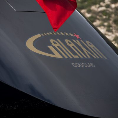Luna Yacht Detail - Name