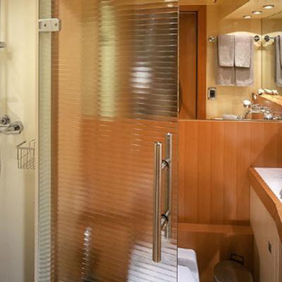 Mumu Yacht Bathroom with Shower
