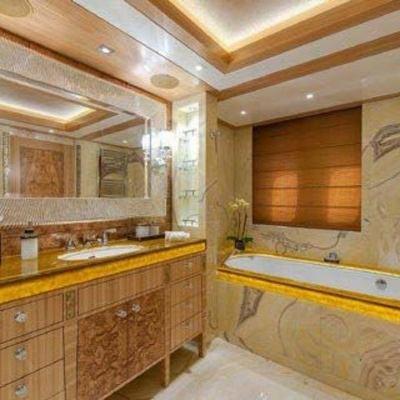 Solandge Yacht Guest Bathroom