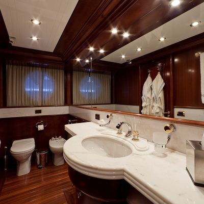 Sophie Blue Yacht Guest Stateroom - Bathroom