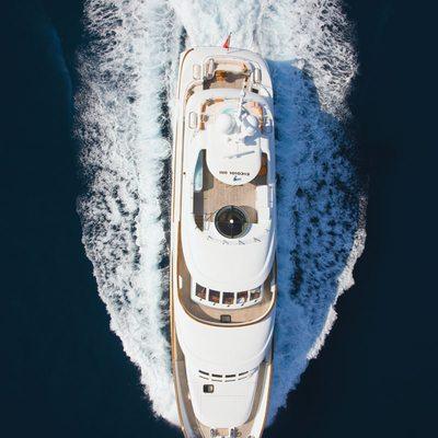 Northlander Yacht Running Shot - Overhead
