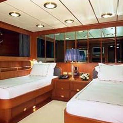 Andromeda la Dea Yacht Twin Stateroom