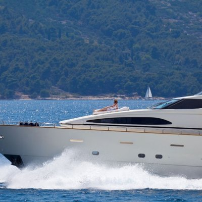 Happy Spirit Yacht Bow detail