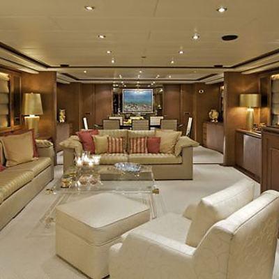 Lady Ellen Yacht Saloon