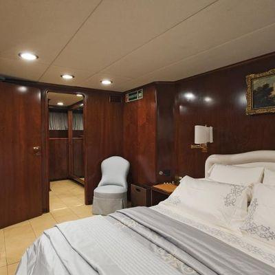 Sirahmy Yacht VIP Stateroom