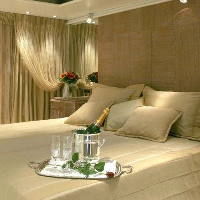 Elegant 007 Yacht Guest Stateroom - Champagne