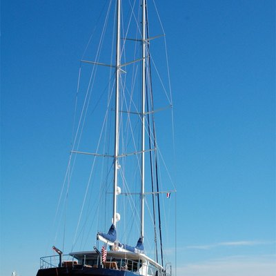 Perla del Mare Yacht Rear View