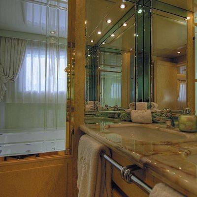CD Two Yacht Master Bathroom