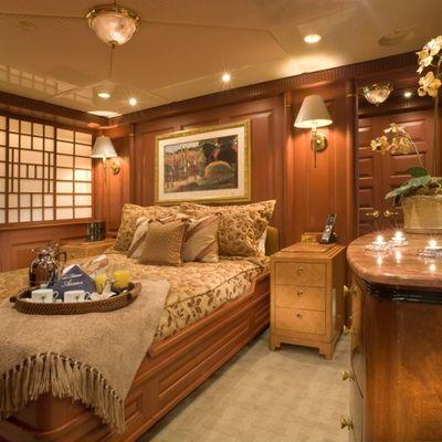 Queen D Yacht Starboard Guest Stateroom