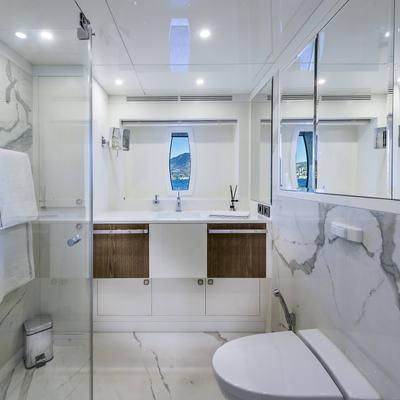 Liquid Sky Yacht VIP Bathroom 2