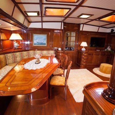 Lauran Yacht