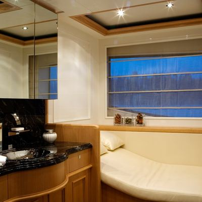 Hana Yacht Master Bathroom