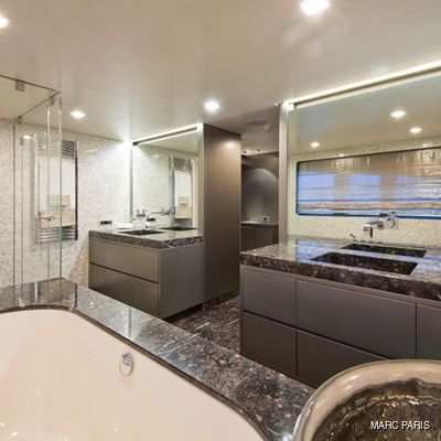 Liberty Yacht Bathroom