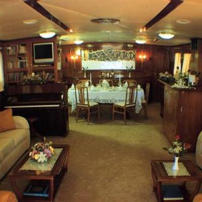 Eliki Yacht Salon & Dining