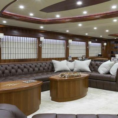 Lexington Blue Yacht