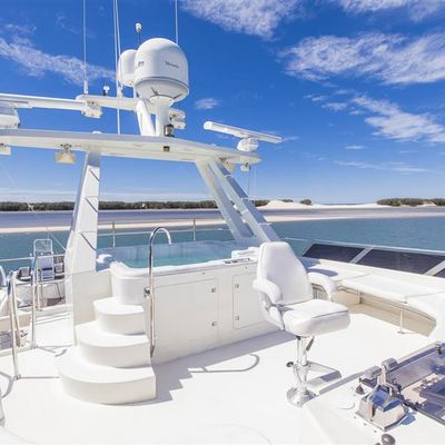 Silent World II Yacht
