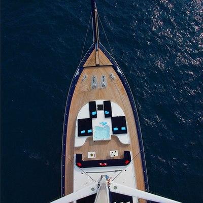 Perla del Mare Overhead