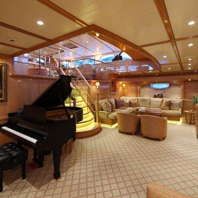 Marie Yacht Salon - Starboard
