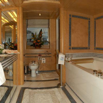 Bella Stella Yacht Master Bathroom