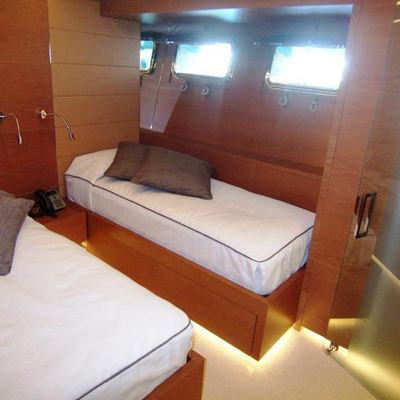 4A Yacht Twin Stateroom