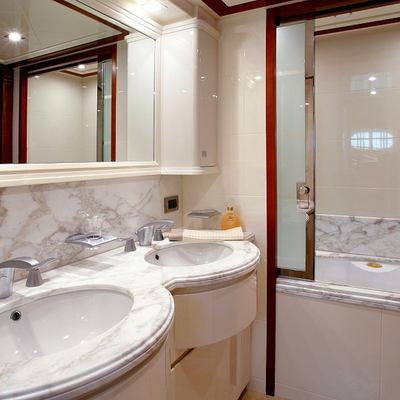 Sima Yacht Twin Ensuite