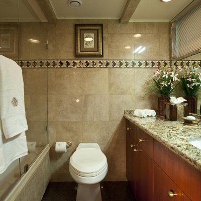 Golden Compass Yacht Guest Bathroom - Starboard