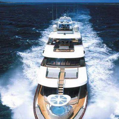 Forty Love Yacht Running Shot - Aft Decks