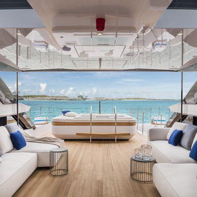 Vista Blue Yacht