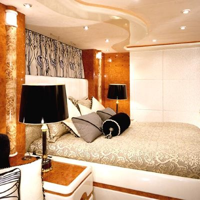 Wheels I Yacht Neutral Guest Stateroom