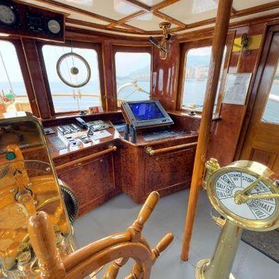 SS Delphine Yacht Bridge