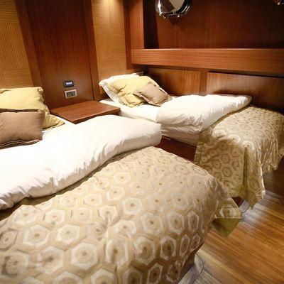 Mezcal 2 Yacht Twin Cabin