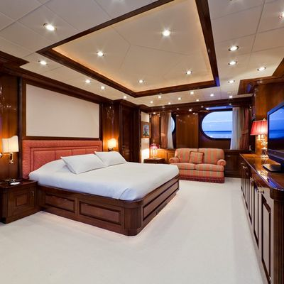 Sophie Blue Yacht Master Stateroom - Seating