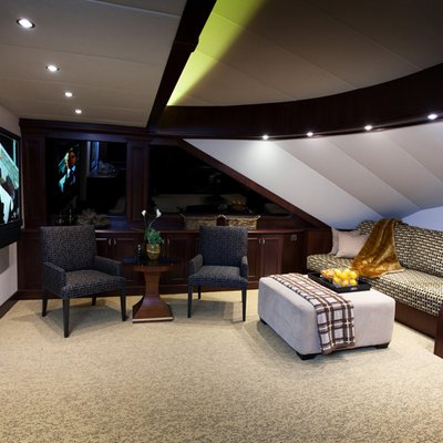 Liquidity Yacht Seating Area