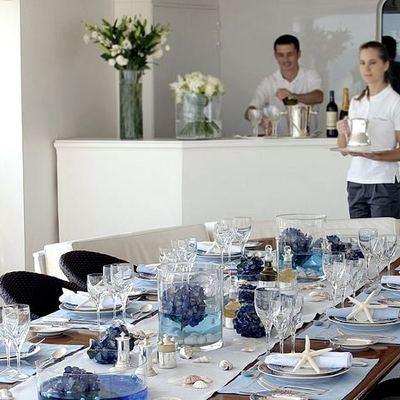 Elegant 007 Yacht Sundeck - Waiting Staff