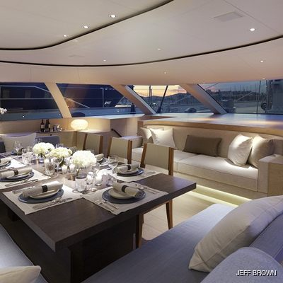 Twizzle Yacht Observation Lounge - Night