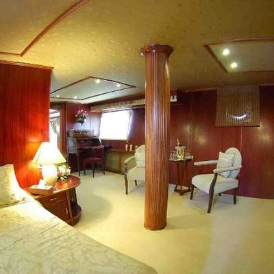 Blue Dawn Yacht Guest Stateroom